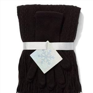 NY&Co Scarf & Glove Set